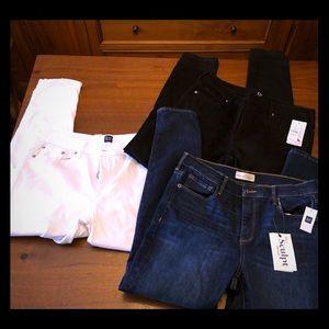 Lot 3 pair GAP skinny jeans! White black & blue